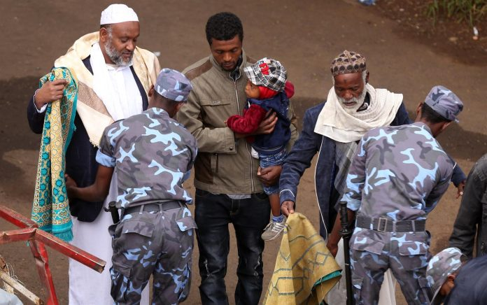 """TürkiyeDiyanetFoundation donated 34,000sheeptoEthiopiaas hundreds of thousands of Muslims converged at the national stadium and nearby Meskel Square in capital Addis Ababa to celebrate Eid al-Adha or the """"Feast of Sacrifice."""" Photo by hurriyetdailynews"""