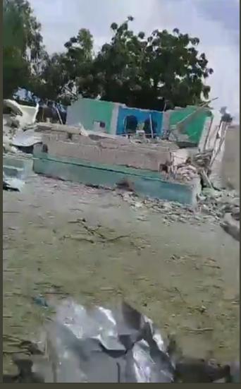 Large blast at district headquarters in Somalia's capital Mogadishu picture via Twitter