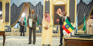 Leaders of Ethiopia, Eritrea sign accord in Saudi Arabia
