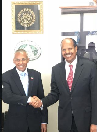Somaliland Foreign Minister Dr.Saad Ali Shire Handshakes with Djiboutian Counterpart Mohmoud Ali Yusuf