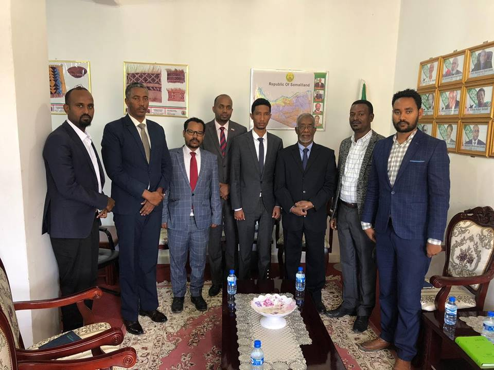 The officials of Ethiopian Ethiopian Consulate General in Hargeisa paid courtesy call visits to the newly appointed Foreign Minister of Somaliland Yasin Mohamoud Hir i