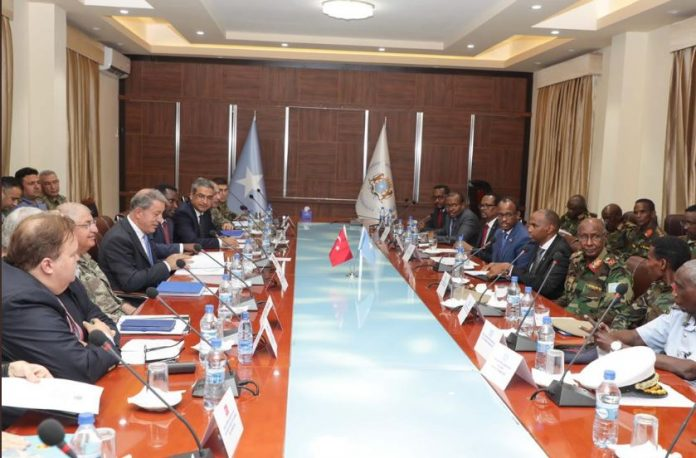 Somali PM meets with delegation from Turkey led by Defense Minister Hulusi Akar