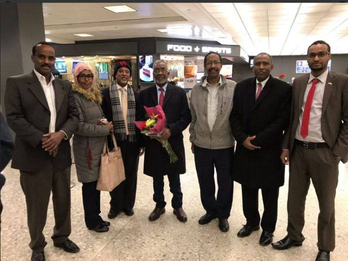 Somaliland Representative in the United States, Bashir Goth, and members of the Somaliland community in Washington received the Minister at the airport.