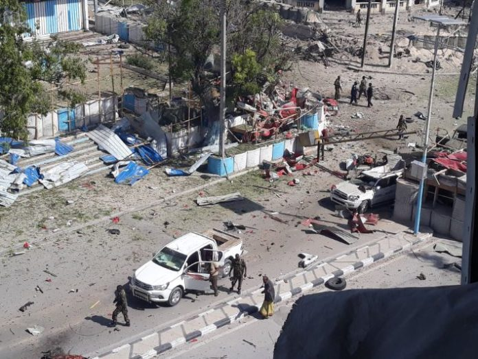 an explosion rocked in Mogadishu and targeted to security checkpoint near presidential palace of Somalia photo Somali online news