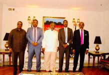 Djibouti President Ismaïl Omar Guelleh receives Somaliland Ministerial-level delegation led by the Defence Minister Isse Ahmed, at thePresidential PalaceinDjiboutiCity.