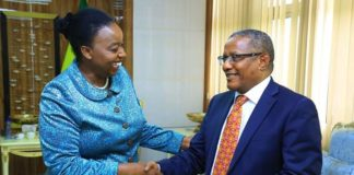 Ethiopia FM Confers with His Kenyan Counterpart