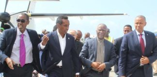 AU delegation led by former South African President Thabo Mbeki arrives Mogadishu