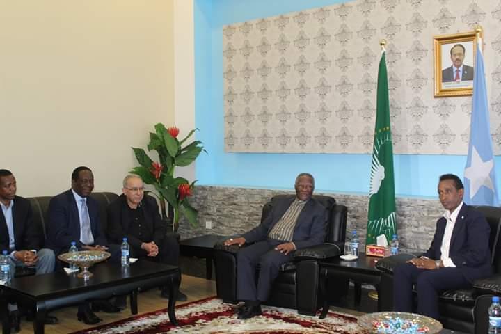 AU delegation led by former South African President Thabo Mbeki arrives Mogadishu