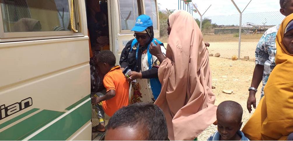 45 Somali refugees return to Somalia from Dadaab Refugee Camp in Kenya