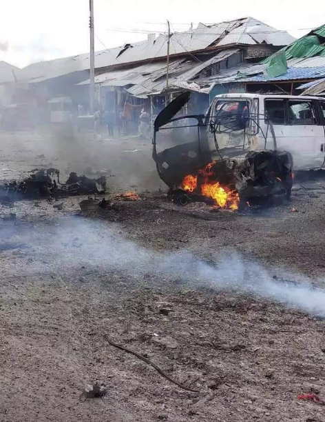 Huge explosion said to be car bomb targeting security checkpoint has been reported at the area of Ex-Afgoye western part of #Mogadishu, Photos from the scene by a witness