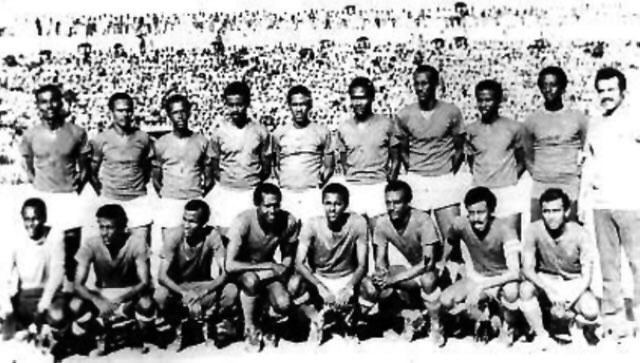 Saeed Duaale playing for Horseed in Somalia during 1970s, on the team photo pictured bottom left photo credit Hiiraanonline
