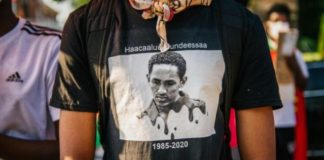 As far away as the United States, members of the Oromo community have protested the death of musician and activist Hachalu Hundessa (AFP Photo/Brandon Bell)