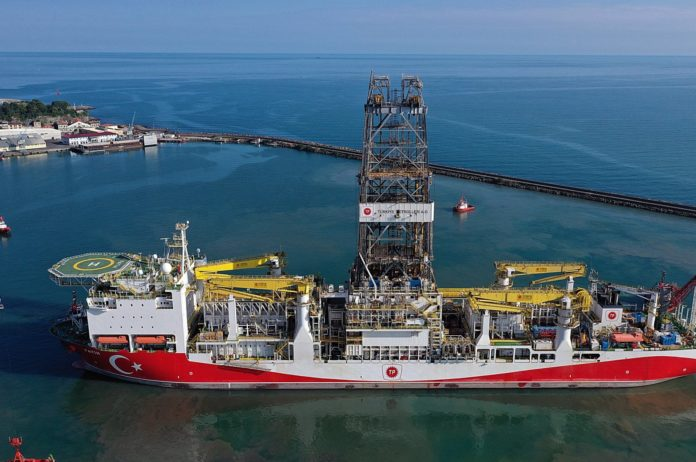 A drone photo shows the Turkish drillship Fatih leaving the Port of Trabzon for a drilling mission in the Black Sea, northeastern Turkey, June 26, 2020. (AA Photo)