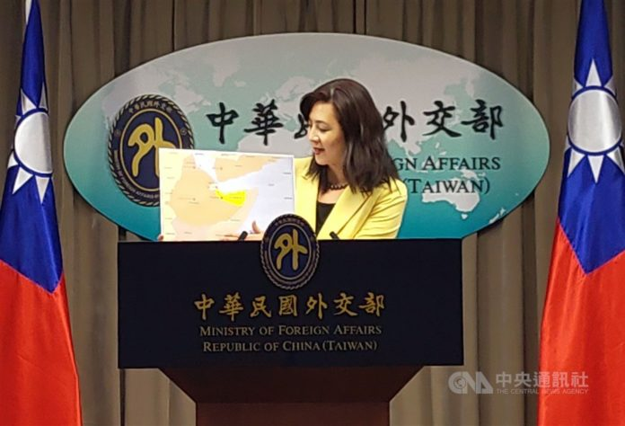 MOFA spokesperson Joanne Ou (歐江安) showing a map of East Africa, highlighting Somaliland.