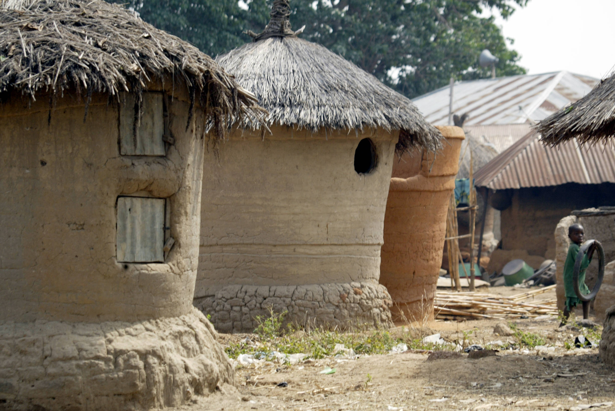 Hut built for food storage and preservation of animal feeds at Kilankwa district of Abuja. This was, and still remains the mode of preserving valuables in nothern Nigeria, before the advent of modern storage facilites.
