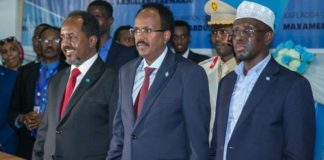 Somalia President MohamedFarmaajo(centre) with his predecessors Sharif Sheikh Ahmed(right) and Hassan Sheikh Mohamud (left) during his inauguration. Photo credit: File
