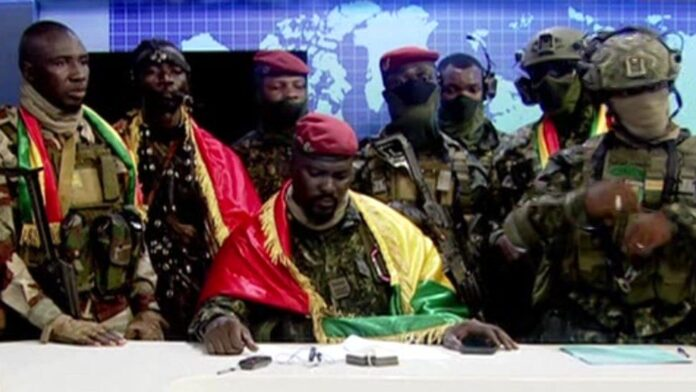 IMAGE SOURCEGUINEA TV image captionThe soldiers said they had acted because of rampant corruption and poverty